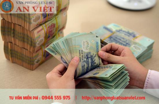 Hành vi lén lút lấy tiền của người khác bị xử lý như thế nào?