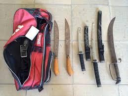 mang hung khí dao kiếm súng có phạm tội khôngmang hung khí dao kiếm súng có phạm tội không